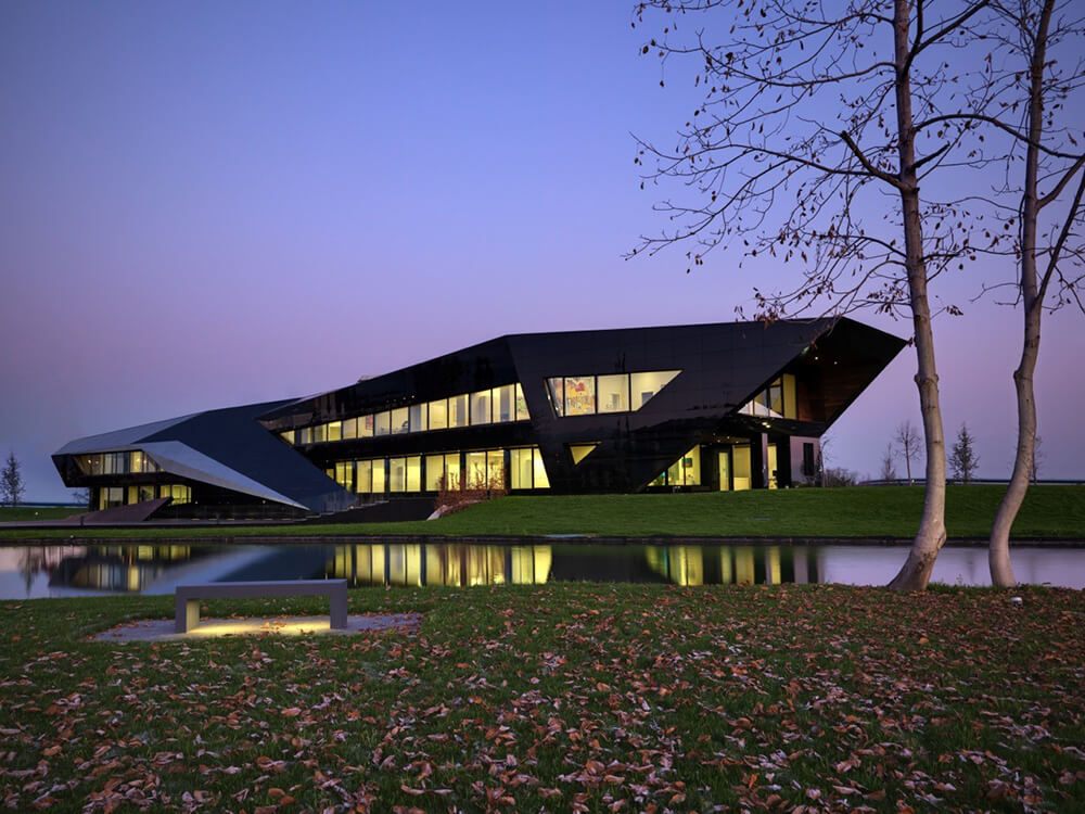 Vidre Negre Office Building, Cuneo, Italy, DaMilano Studio