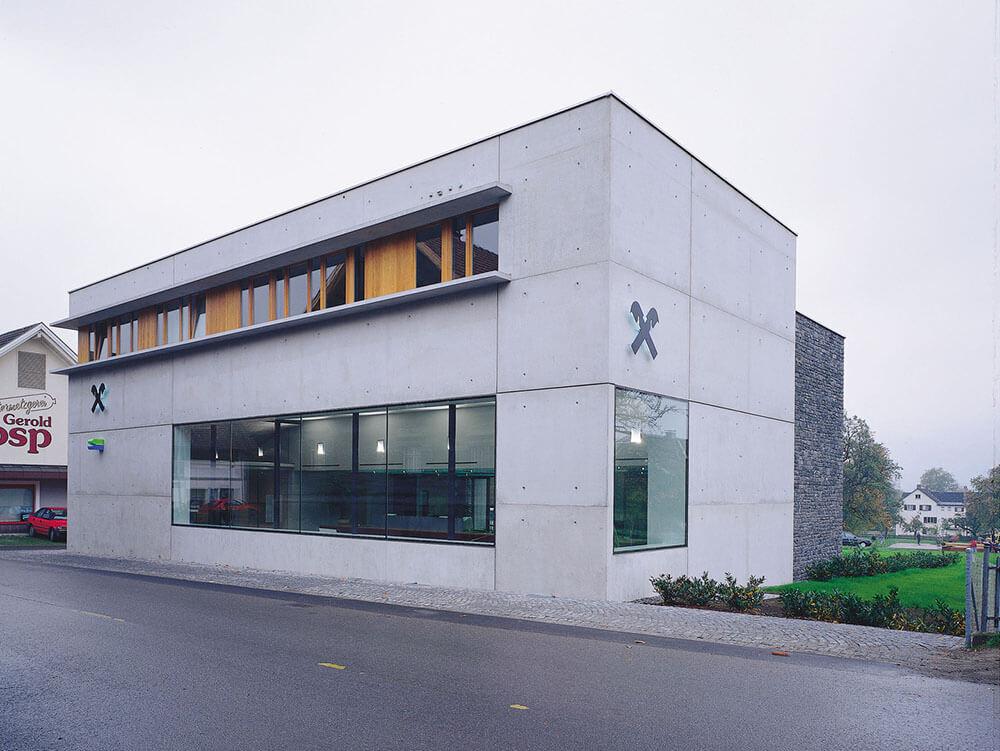 Raiffeisenbank Satteins, Satteins, Austria, Gohm Hiessberger Architekten